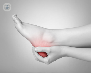 What causes plantar fasciitis?