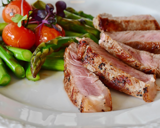 Healthy meal of asparagus and meat
